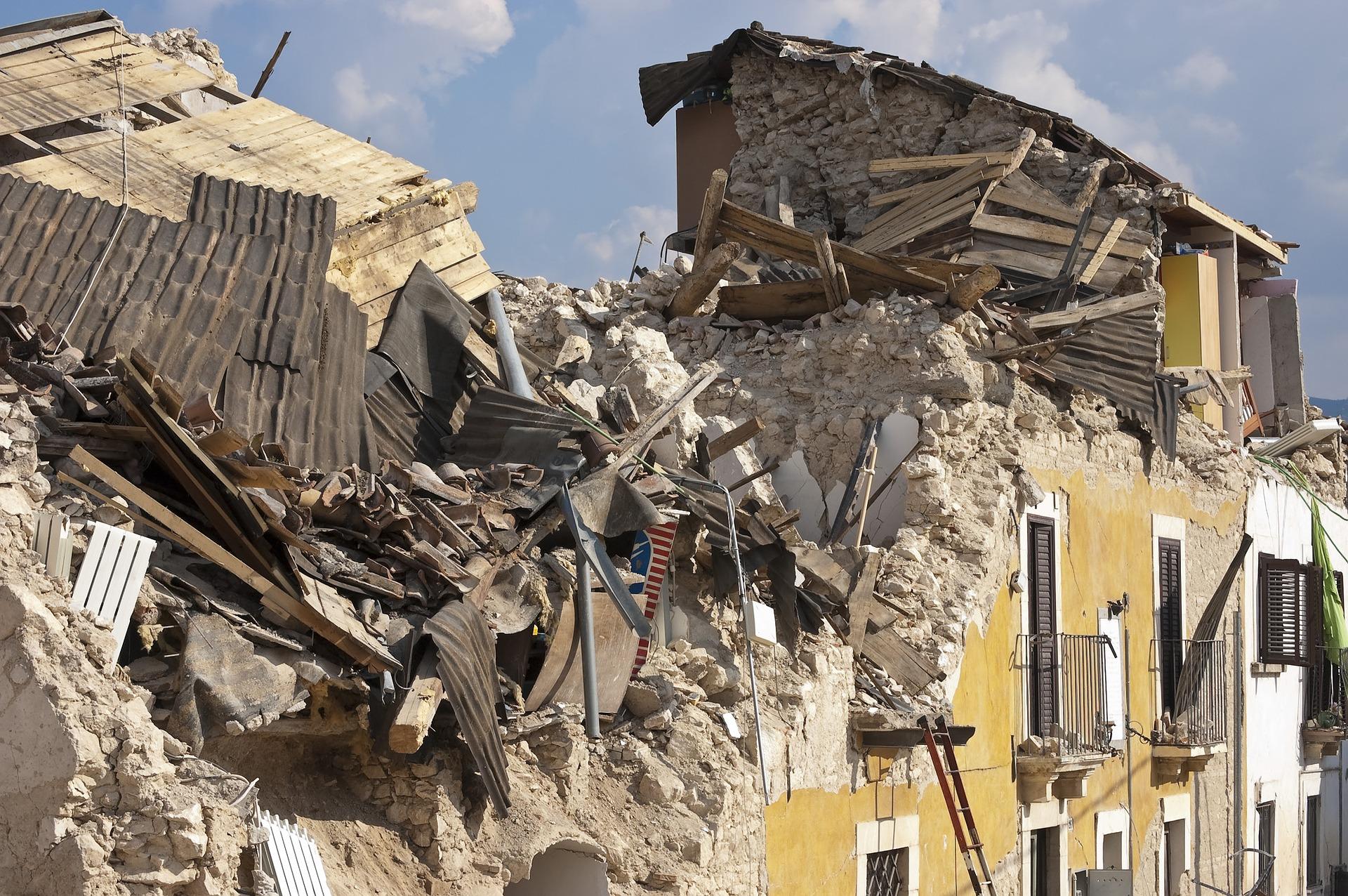 Ante los desastres naturales, debemos explicarles a nuestros hijos el valor de ayudar